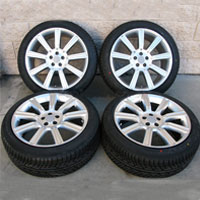 "22"" Range Rover HSE Sport Supercharged 10 Spoke Wheel and Delinte Tire Package in Silver"