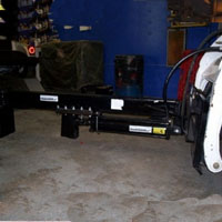 "30 Ton Upside Down Skid Steer with 32"" Opening"
