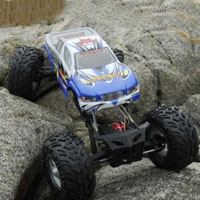 Rockslide 1/8 Scale Super Crawler RC Truck with 2.4GHz Radio