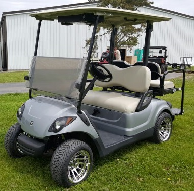 Yamaha Drive Gas Golf Cart w/ Rear Flip Seat on