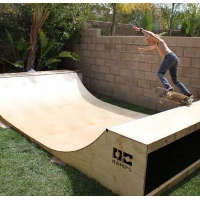 Garage Mini Ramp - Half Pipe Skateboard Ramp
