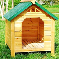 Green Wood Pet Dog House