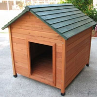 High Quality Extra Large Classic Cedar Dog House
