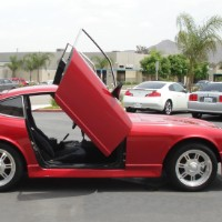 Brand New Nissan 260Z 1974 Bolt On Lambo Vertical Doors Kit